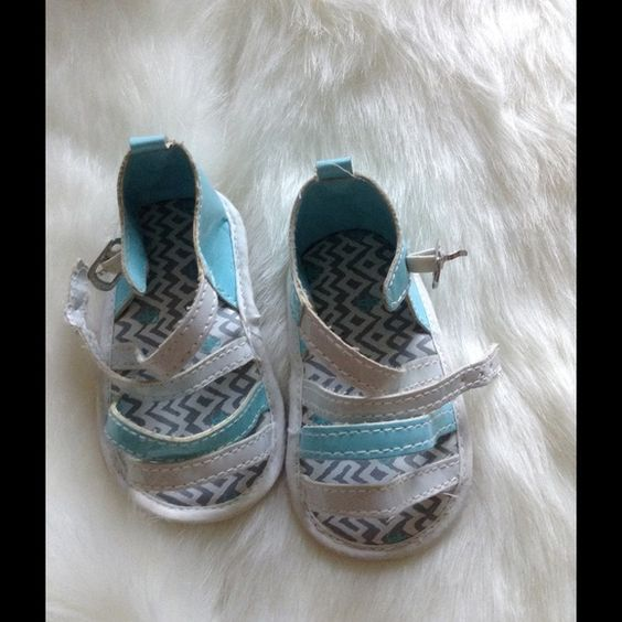 Rocawear baby girl sandals Fair condition Rocawear Shoes Slippers