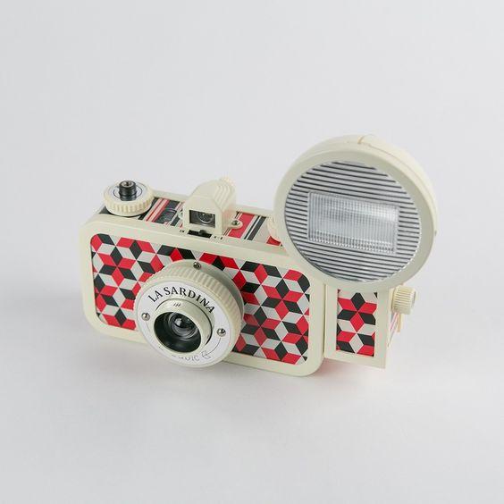 La Sardina Camera and Flash Cubic - Novelties - Curiosities $109