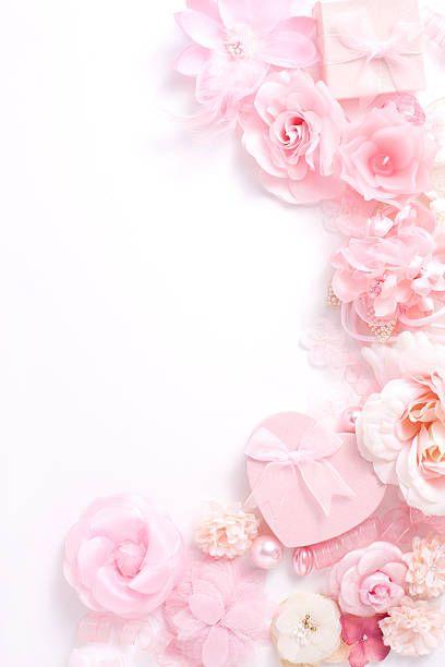 女子向け壁紙ピンクの花とプレゼント