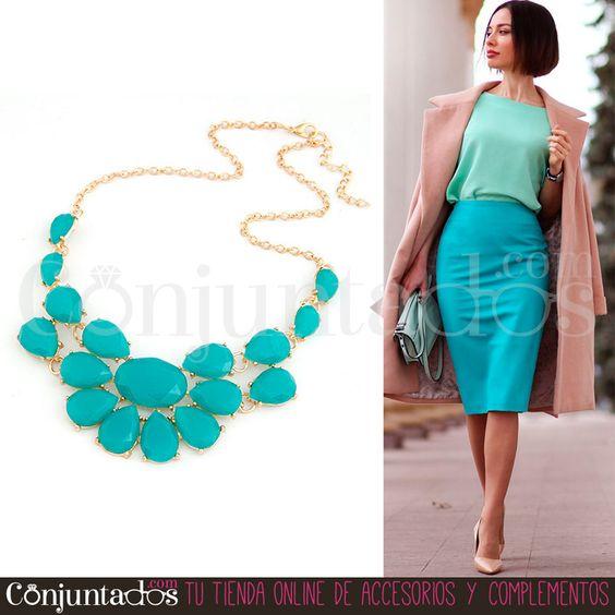 Este #collar dorado con piedras será la delicia de tu joyero. Fantástico para combinar con blanco y otros colores llamativos que te alegren el look. ¡Una buena apuesta para animar tu aspecto! ★ ¡#REBAJAS! en http://www.conjuntados.com/es/collares/collar-dorado-de-piedras-verdes.html ★ #novedades #necklace #conjuntados #conjuntada #joyitas #jewelry #bisutería #bijoux #accesorios #complementos #weartowork #sales #discounts #ofertas #soldes #moda #fashion #outfit #estilo #style #GustosParaTodas