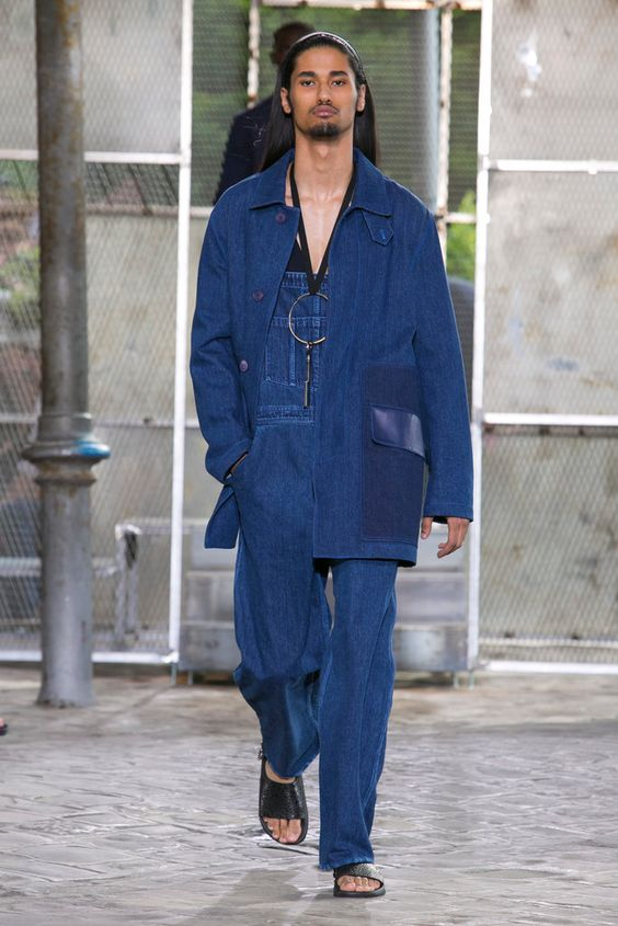 A look from the Givenchy Spring 2016 Menswear collection.