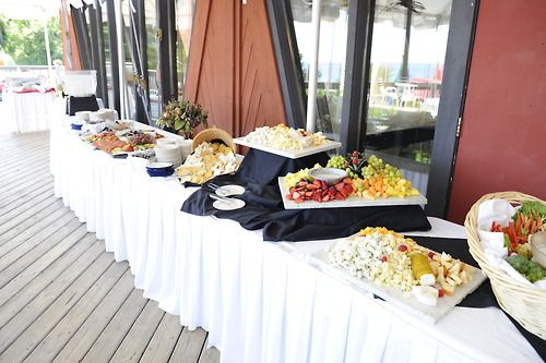 Hors d'oeuvres on the #lakeviewpatio #socialhour #cocktails #weddings #lutsenresort