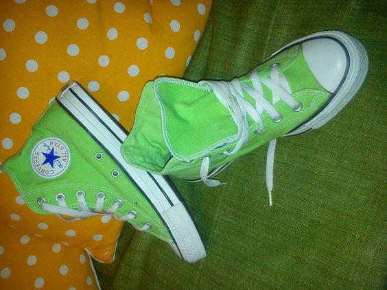 http://i.ebayimg.com/t/Chucks-All-Star-Chcuk-Jaylor-Sneaker-high-Converse-38-5-5-lime-gruen-green-/00/s/MTIwMFgxNjAw/z/ik4AAOxyemBR7WjL/$(KGrHqV,!rcFHrE(dg9kBR7WjK8He!~~60_57.JPG