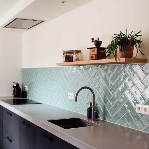 City Half Tile Seagreen Zeegroen Turquoise Visgraat Tegel 7 5 X 30 Cm Keuken Ontwerp Keuken Wandtegels Visgraat Tegel