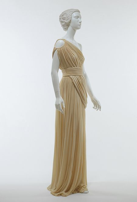 Madame Grès (French, 1903–1993). Evening gown, 1967–85. The Metropolitan Museum of Art, New York. Gift of Chessy Rayner, 1997 (1997.116.38a-c)