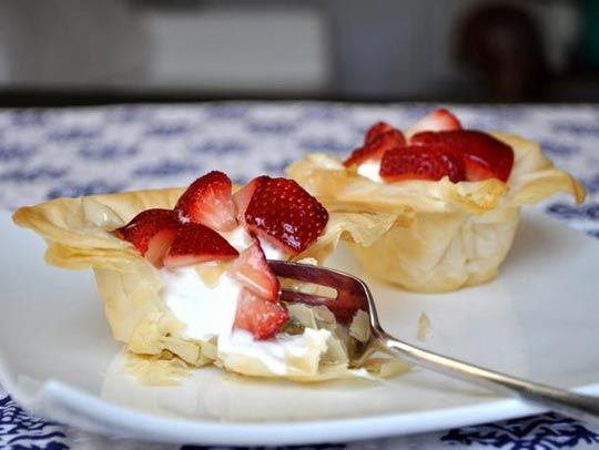 Phyllo Pastry Cups with Yogurt and Strawberries and Kir ...