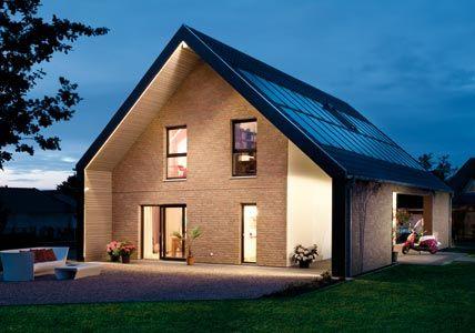 Das Energieplus Haus Von Schwörer   Mit Positiver Energiebilanz Erzeugt  Einen Satten Stromgewinn Durch Die Photovoltaik Anlage.
