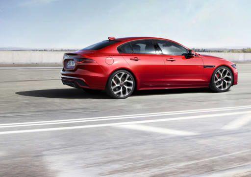 2020 Jaguar Xe Gets Updated Styling Drops V 6 And Diesel Engines Jaguar Xe Jaguar New Jaguar