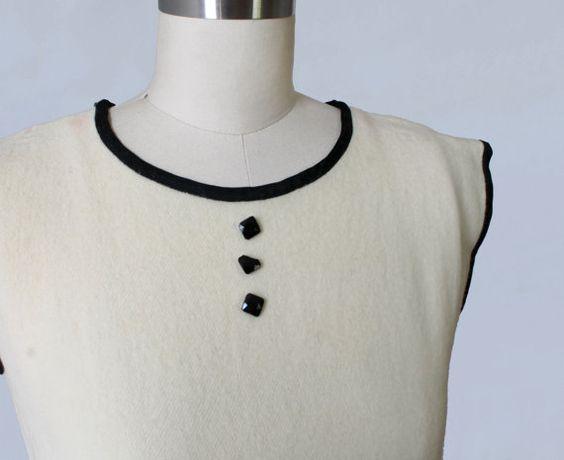 1920er Jahre Kleid / 20er Jahre bestickt von GuermantesVintage