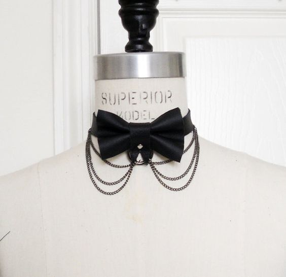 Lindo cuero negro arco Collar, Collar de pajarita gótico, arco cadena, collar de cuero, gótico Kawaii, chica gato, Cosplay traje de Halloween