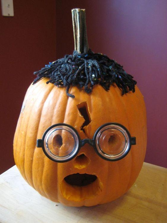Lustiges Kurbis Gesicht Nerd Oder Harry Potter Halloween Kurbis Schnitzen Kurbisse Schnitzen Kurbis Schnitzen Lustig