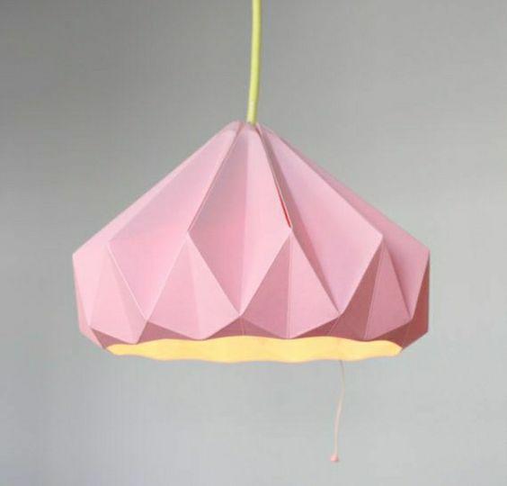 Origami Lampe aus rosa Papier