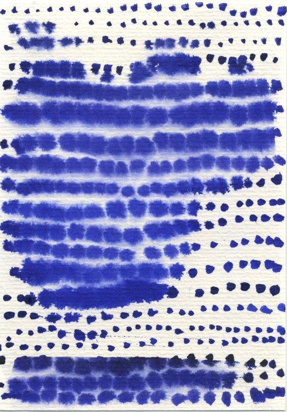 Du papier et de l'encre bleue, une abstraction qui évoque le ciel, la mer, l'orage...