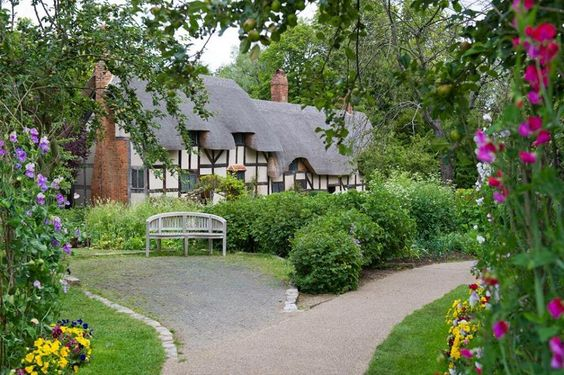 Anne Hathaway's cottage, where a young William Shakespeare began wooing his wife-to-be...