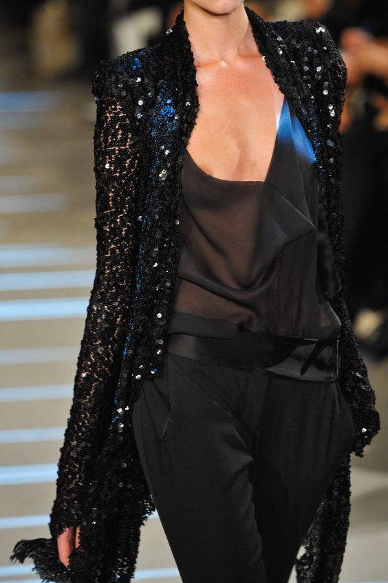 orlandaspleasure:  Alexandre Vauthier @  Paris Fashion Week Spring 2013 Couture