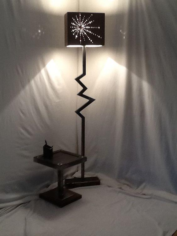 lampe sur pied lampe sur pied style industriel en acier. Black Bedroom Furniture Sets. Home Design Ideas
