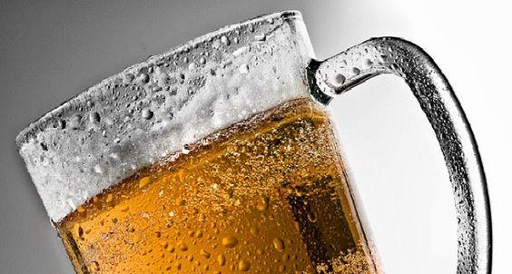 A cerveja contém resíduos de fósforo, cálcio, magnésio e sílica, os principais componentes dos ossos, podendo ser aplicados nesse âmbito.