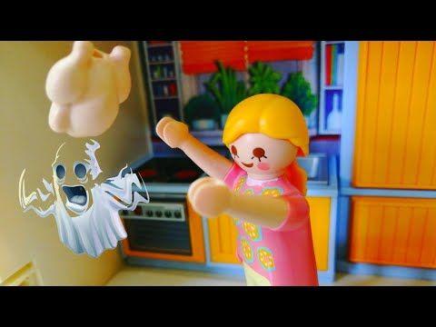 الفرخة فيها عفريت قصص اطفال عائلة كريم افلام بلايموبيل Playmobil Youtube Christmas Ornaments Novelty Christmas Holiday