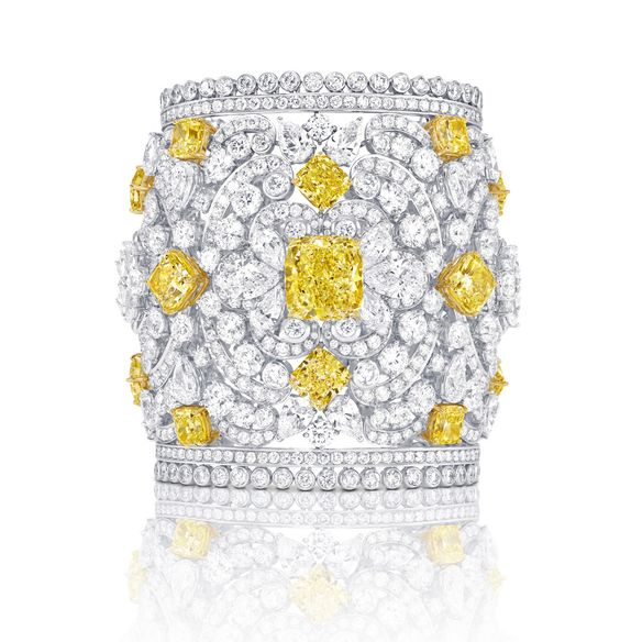 Mesmerising cuff in white gold with white and yellow diamonds from GRAFF