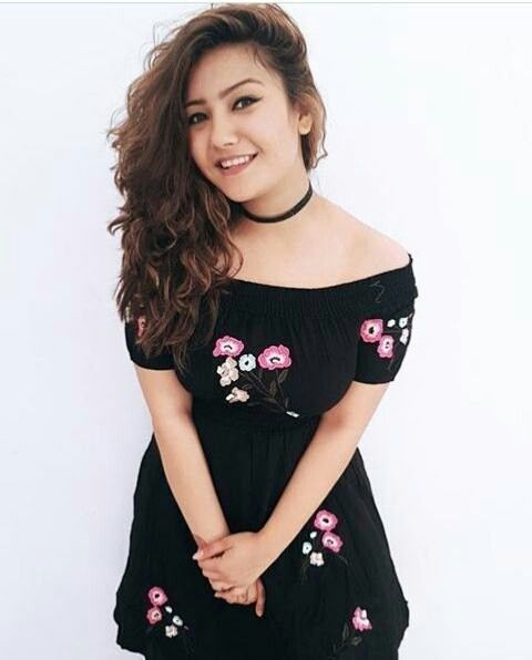 Follow Me Rishita Surve•̀.̫•́✧ | Spring outfits casual, Bollywood fashion,  Stylish girls photos