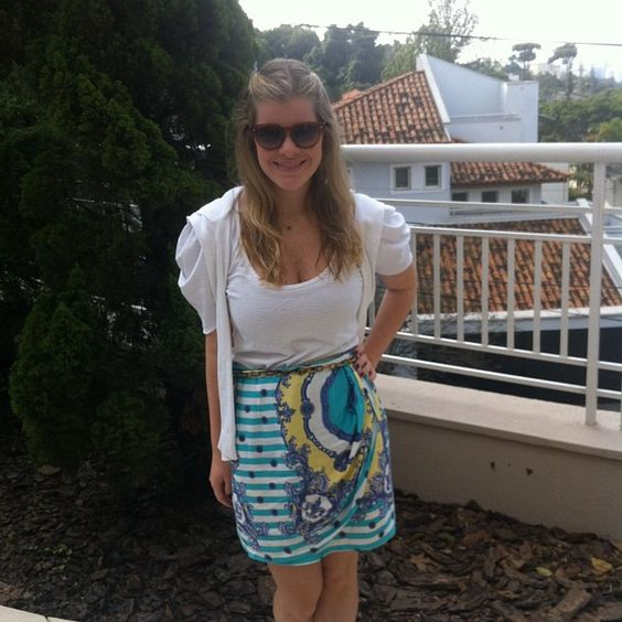 Manu Carvalho, sempre linda, do Blog Vitrine, com a nossa saia lenço!  #saialenco #sunday #look #FernandaSollito