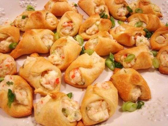Crab-Filled Crescent Wontons: Cheese Crescent, Cream Cheese, Crescent Wonton, Crab Wonton, Finger Food, Party Food