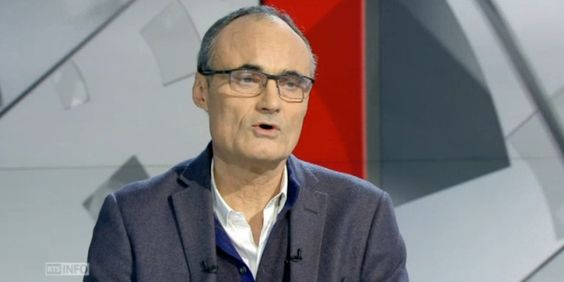 """CHARLIE HEBDO - Philippe Val, l'ancien patron de Charlie Hebdo, s'est dit mercredi inquiet de l'avenir du magazine satirique """"enfermé dans un symbole"""", estimant que les terroristes avaient gagné.  """"Je me demande comment..."""