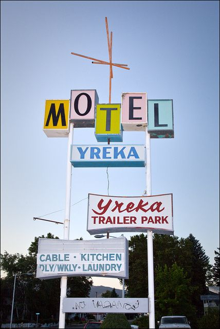 50's motel signage... Usually a sure sign a trailer park is not far off