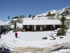 Kyk net die wit kombers oor Mount Park Guest Farm in Howick, KwaZulu-Natal!