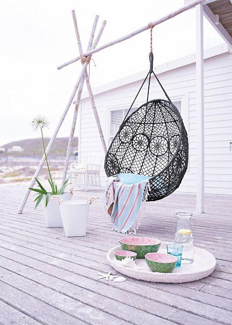 Ich brauche SOFORT so einen Hängekorbschaukelstuhl!!! ... und die Terrasse bitte auch gleich dazu :-)