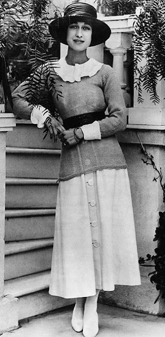 The woman who would change the English monarchy forever - a young Wallis Simpson 1927.