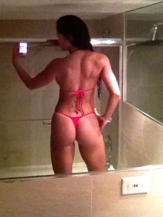 Michelle Lewin Hot Selfies -Know the secret to receive free #celebrity addresses for #autographs? Click to find out now.