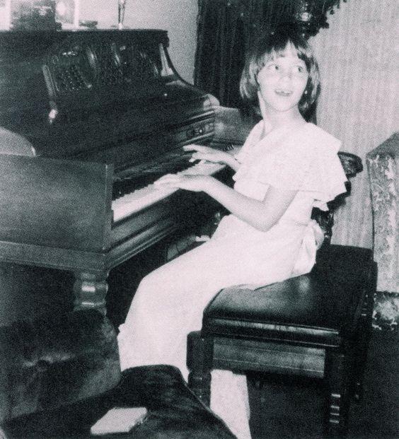 Debbie Gibson in 1976