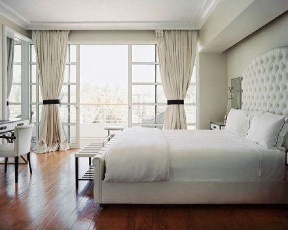 Чистота белого цвета в спальне