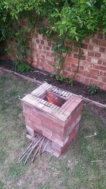 Pictures of bricks and rocket stoves on pinterest for Brick jet stove