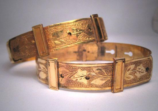 Jewellery Robbery Jewelry Meaning Malayalam Victorian Gold Buckle Bracelet Antique Bracelets
