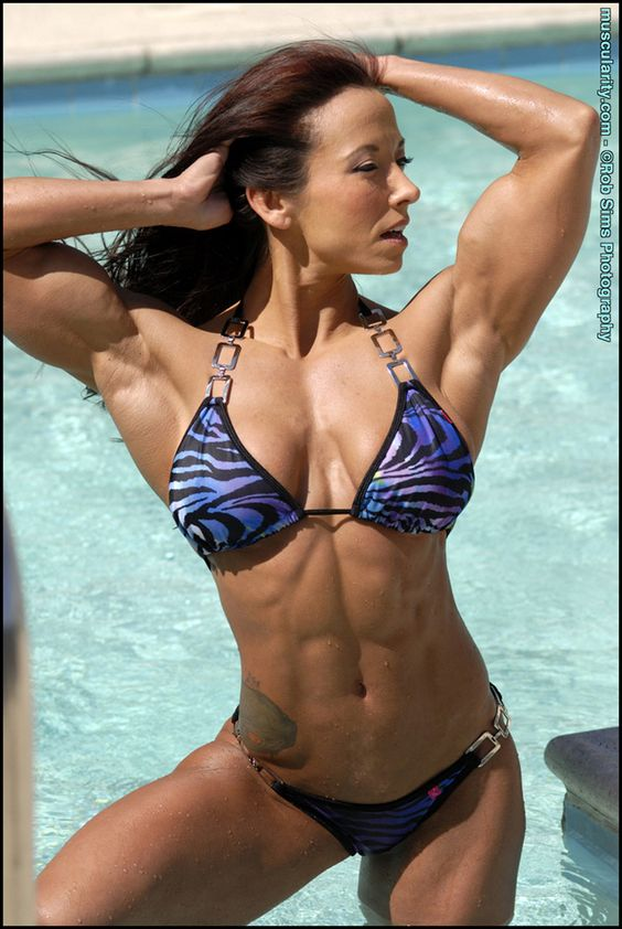 Female Bodybuilder Patricia Beckman - great abs and hot muscles!
