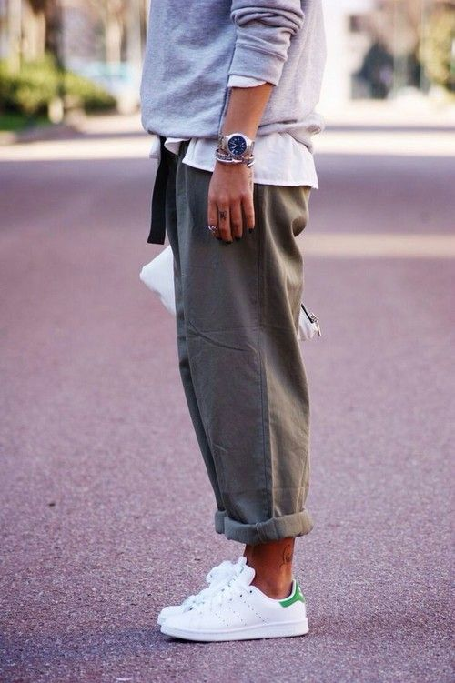 outfits casuales pantalón verde