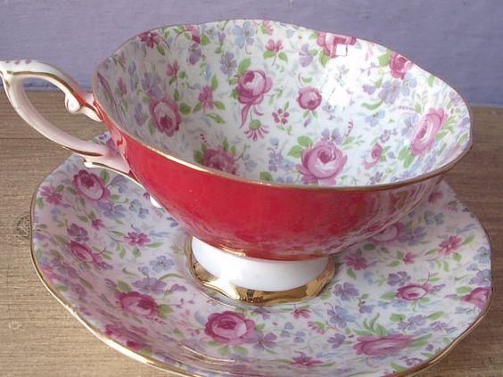 Vintage Royal Standard chintz tea cup set red tea por ShoponSherman