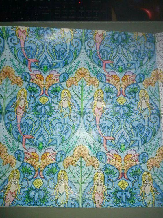 Livre océan perdu de Johanna basford Matériel crayons de couleurs bics ,carrefour et faber castell art grip aquarelle