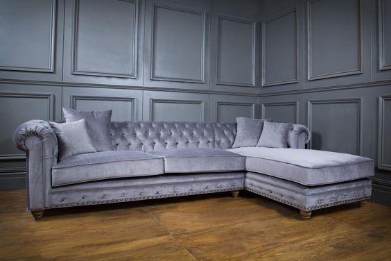 Edel und bequem im Wohnzimmer sitzen - Springfield Sectional Sofa von…