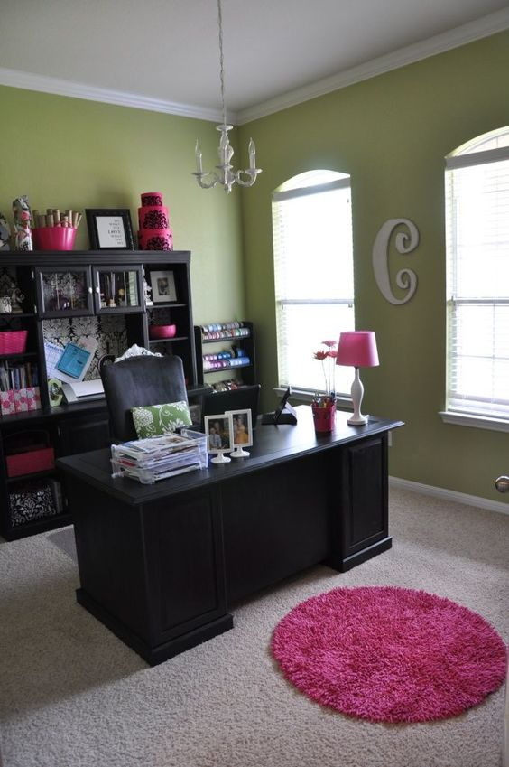 Love this home office craft room myhomelookbook for for Cute home office ideas