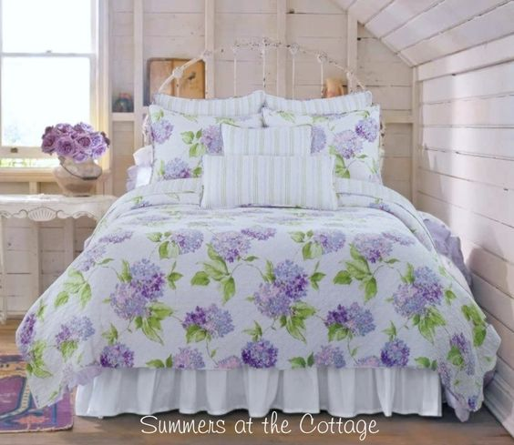 Purple Shabby Chic Bedroom: Hydrangea Flower, White Walls And White Iron Beds On Pinterest