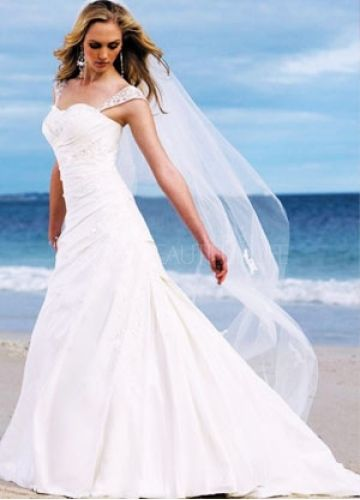 Beautiful Beach Wedding dress! You can see more here ---> http://www.weddingbuddy.net/category/wedding-dresses/beach-wedding-dresses/ #fashion #wedding #cute #wedding_dress #dress