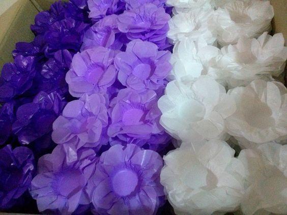 Roxa, lilás e branca.