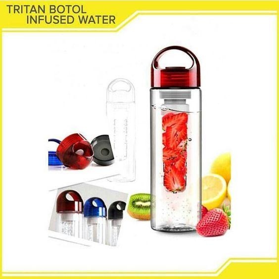 Tritan Infuser Water Bottle botol minum dengan inovasi terbaru yang bagian tengahnya bisa di isi irisan buah sehingga air minum anda akan jadi lebih segar dan nikmat.  Rasakan Sensasi minum dengan tritan botol infused water kombinasi air dan kesegaran buah buat hidupmu menjadi lebih semangat dan sehat.  Manfaat dan kelebihan dari Tritan Infuser Water Bottle: Tritan Infuser Bottle membuat anda bisa mendapatkan kesegaran dengan kombinasi buah asli dengan air langsung dalam satu botol. BPA…