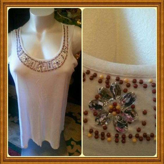 SALE.WHITE JEWELED TANK TOP SALE. TODAY  1 HOUR  BEAUTIFUL JEWELED TANK TOP ✴WHITE & BROWN JEWELS  ADORN  THE FRONT  PERFECT TOP FOR ANYONE'S CLOSET!!! . Tops Tank Tops