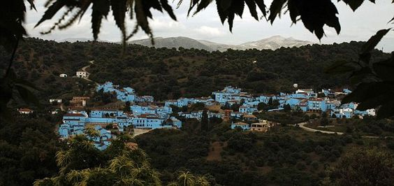 Smurf movie stunt sees Spanish town of Juzcar covered entirely in blue