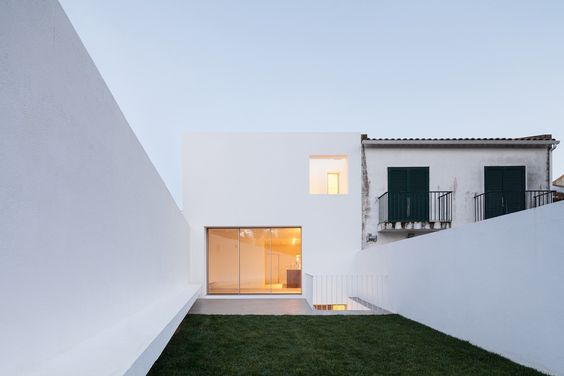 House in Caramão da Ajuda / Francisco Nogueira