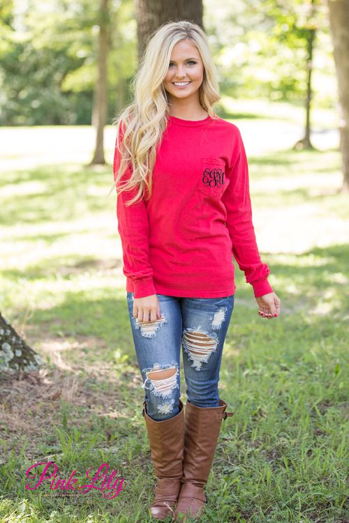 You're sure to fall in love with our brand new Comfort Colors Monogrammed Long Sleeve Pocket Tees! You can't go wrong with this classic way to show off your monogram - we know you'll love rocking this look with jeans and boots all season long!